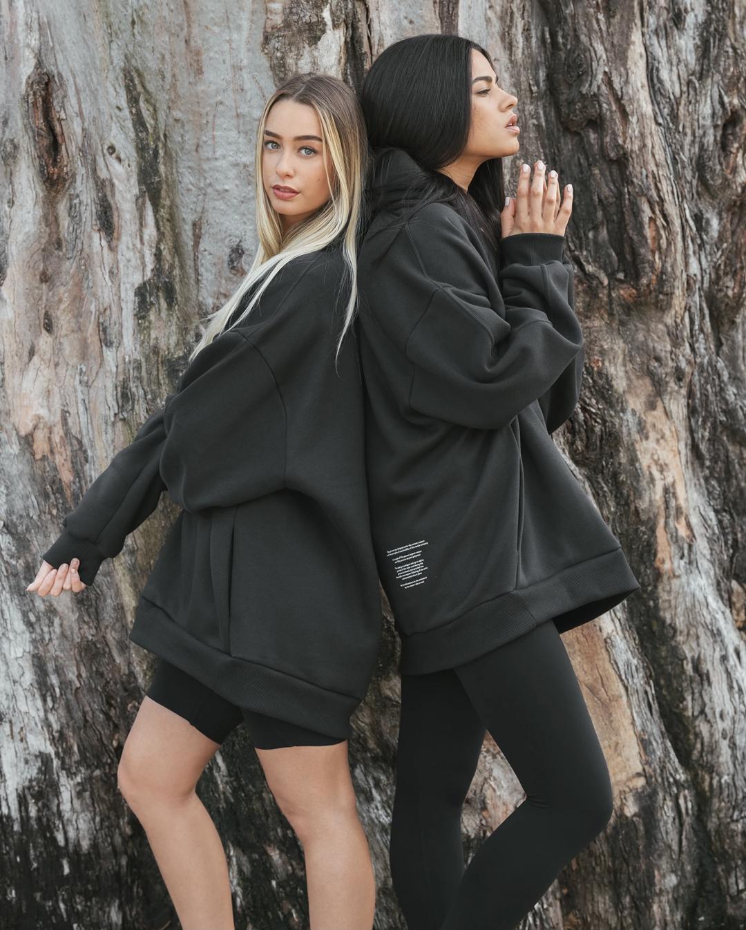 Bruna Pinto e Gabriela para Zwazo
